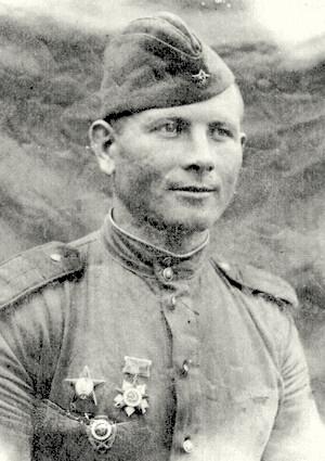 Горбатенко Николай Васильевич одержал 235 побед.
