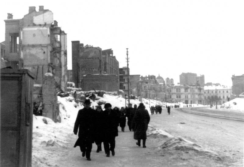 Крещатик. Февраль, 1942 г.