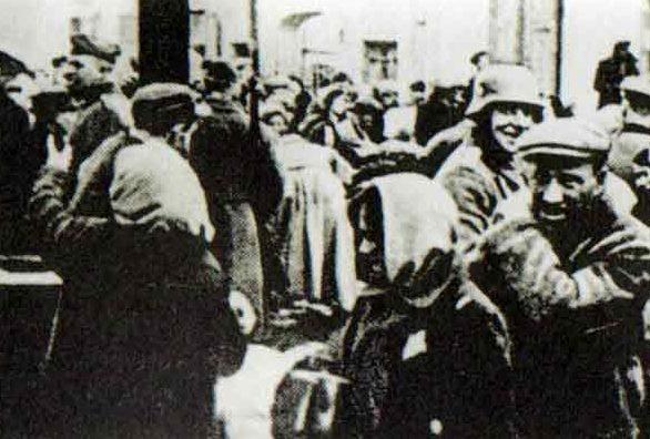 На рынке. Зима, 1942 г.