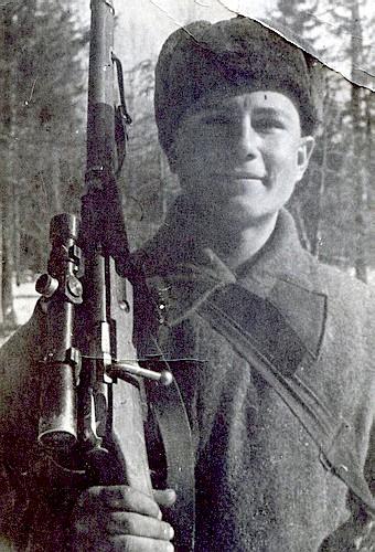 Харченко Фёдор Алексеевич одержал 387 побед.