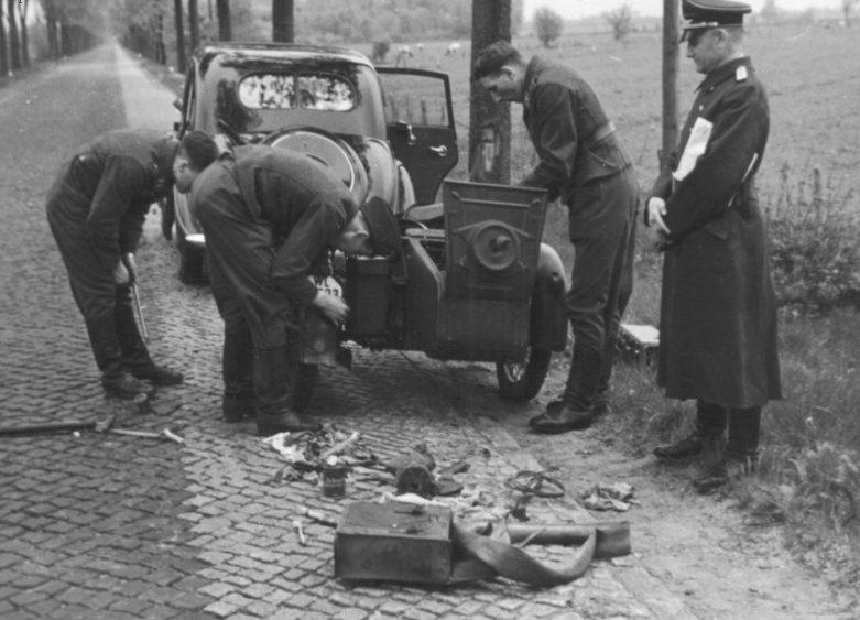 Остановка в дороге. Польша. 1939 г.