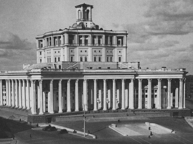 Центральный театр Советской Армии.