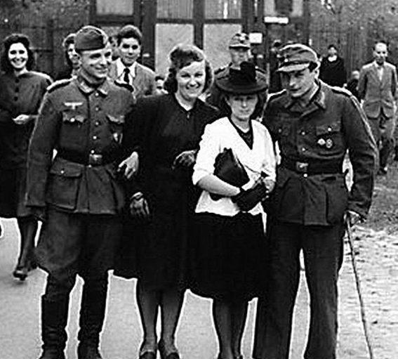 Французские «подруги» немецких солдат. 1940 г.
