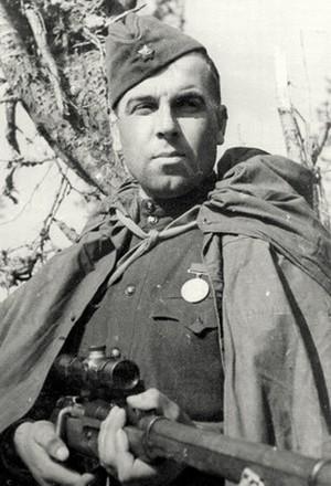Резниченко Фёдор Моисеевич одержал 350 побед.