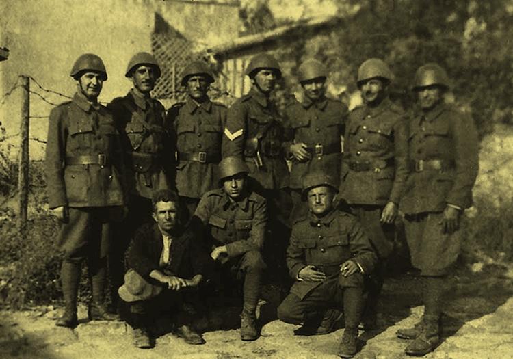 Защитники крепости накануне войны.