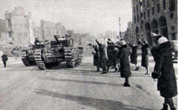 «Валентайны» на Крещатике. Ноябрь 1943 г.