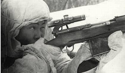 Снайпер Д. Гуляев на позиции. Западный фронт. 1942 г.