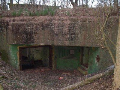 Бункер для 37-мм противотанкового орудия.