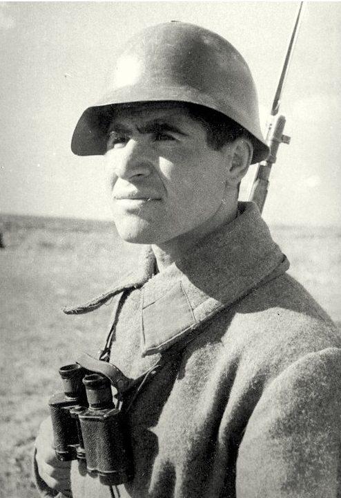 Салбиев Владимир Гаврилович одержал 601 победу. Сталинград 1942 г.