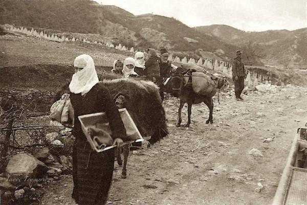 Эвакуация населения из города Эхинос.