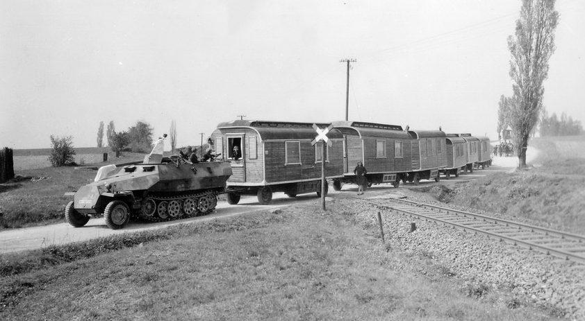Передвижной бордель. 1942 г.