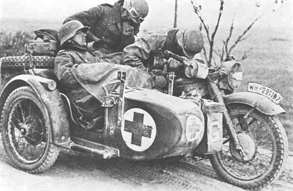 Санитарный мотоцикл. Россия. 1944 г.