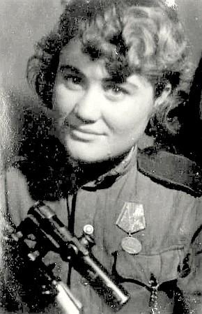 Слонова Нина Халисовна одержала 124 побед.