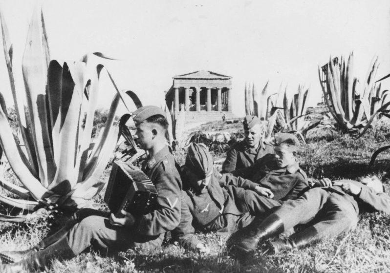 «Курортники» в Италии. Сицилия. 1941 г.