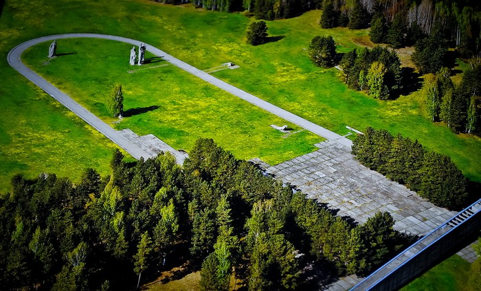 Мемориальный комплекс с высоты.