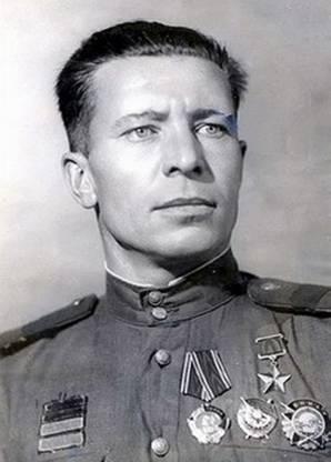 Афанасьев Никифор Самсонович одержал 299 побед.