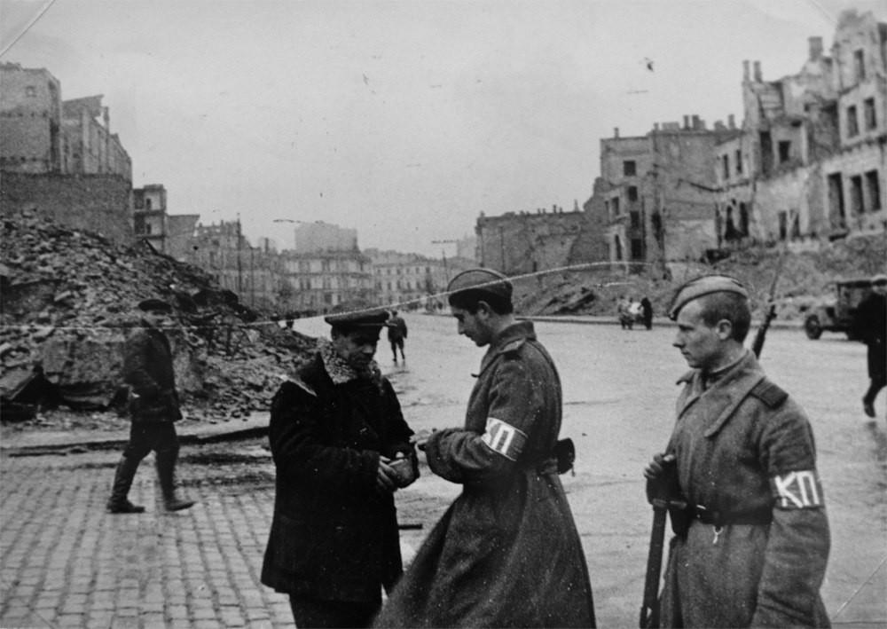 Патруль на Крещатике. 6 ноября 1943 г.