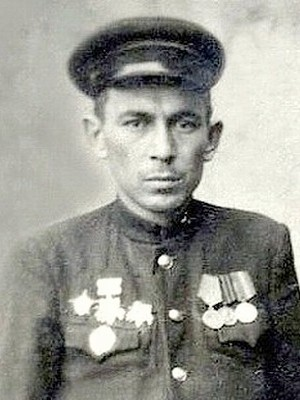 Ахметьянов Ахат Абдулхакович одержал 502 победы.