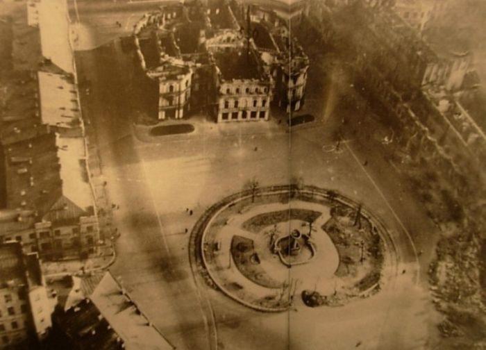 Площадь Калинина. Сентябрь, 1941 г.