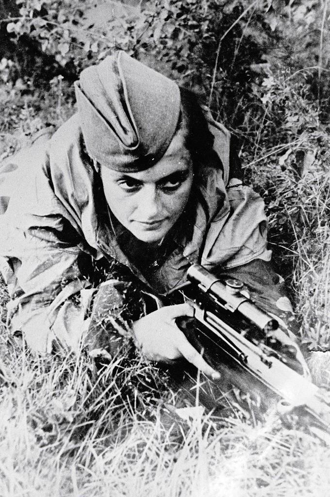 Людмила Павличенко. Севастополь. Июнь 1942 г.