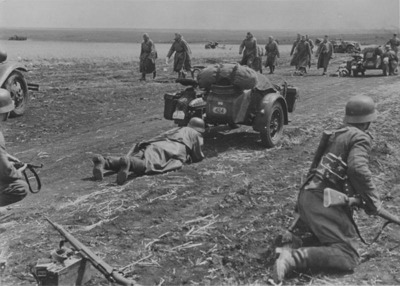Конец боя под Харьковом. 1941 г.
