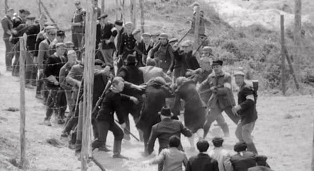 Евреев ведут в Бабий яр. 29-30 сентября 1941 г.