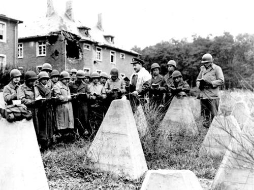 Совещание на линии Зигфрида. Сентябрь, 1944 г.