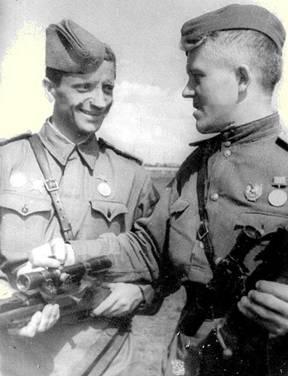 Снайпер П.И.Бедаш – бывший механик Кролевецкой МТС Сумской области. Июнь 1943 г.