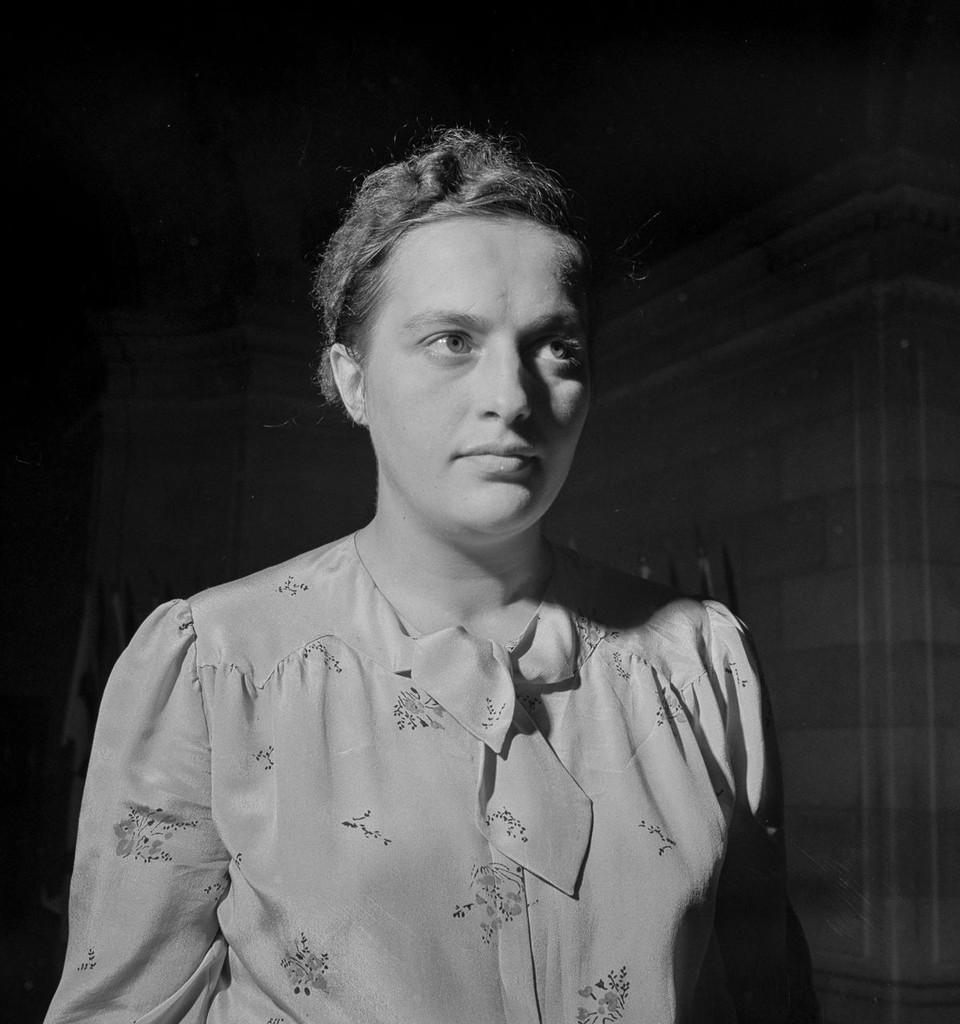 Л. Павличенко во время своего визита в Вашингтон. 1942 г.