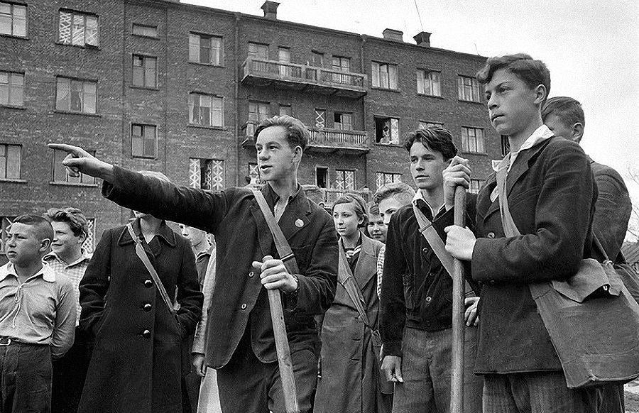 Подростки и гражданская оборона. Сентябрь, 1941 г.