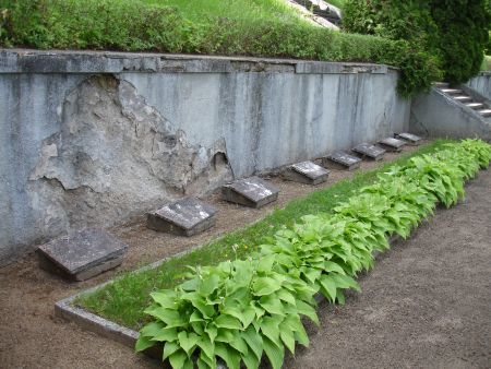 Терраса воинского кладбища.