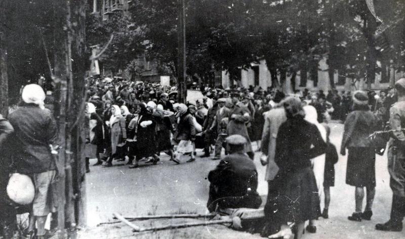 Отправка киевлян на работу в Германию. Начало 1942 г.