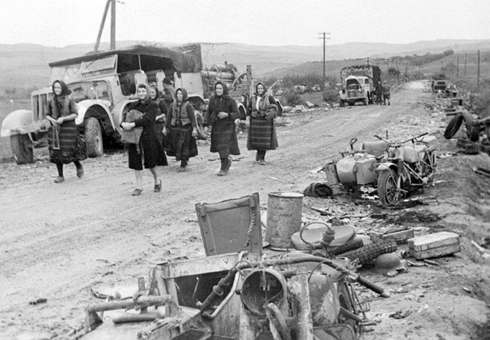 Разбитая техника врага. Югославия. 1944 г.