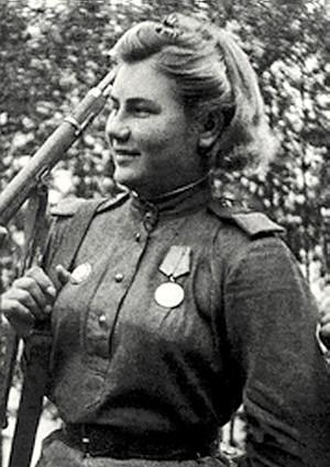 Екимова Александра Максимовна одержала 28 побед.