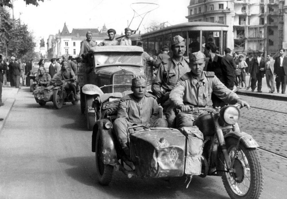 Мотоцикл М-72. Украина.1944 г.