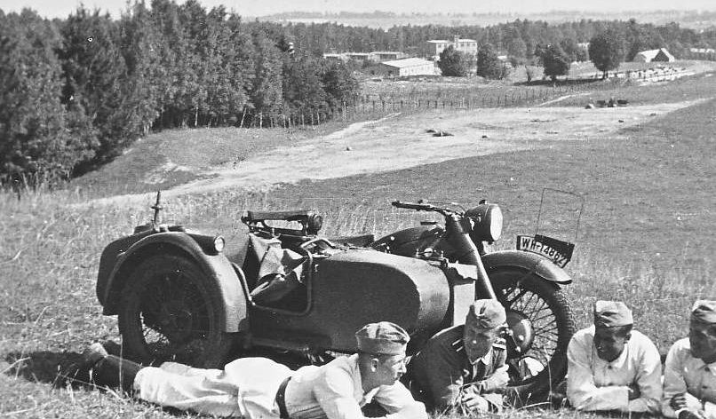 Мотоцикл с коляской BMW R-12. Беларусь. 1941 г.