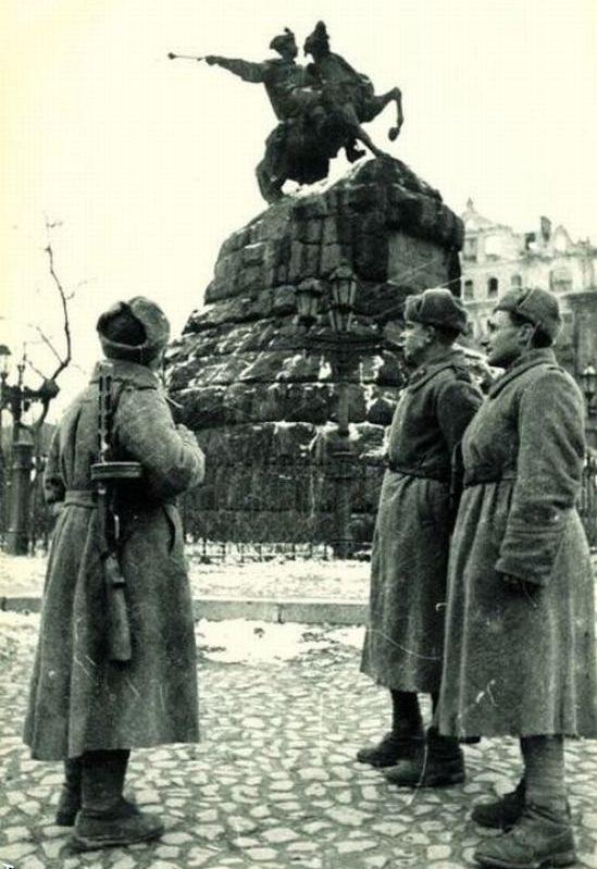 Софиевская площадь. Начало 1944 г.