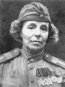 Петрова Нина Павловна одержала 122 победы.