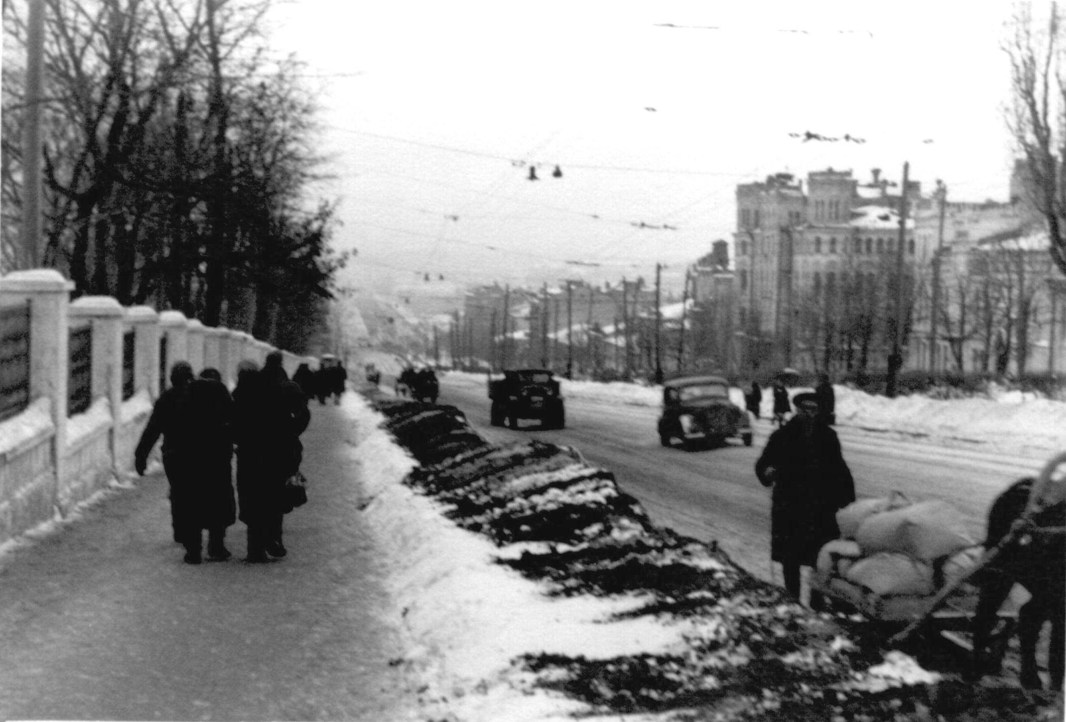 Бульвар Т. Шевченко. Февраль, 1942 г.