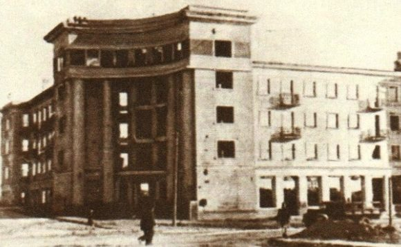 Дом работников киностудии. Осень, 1941 г.