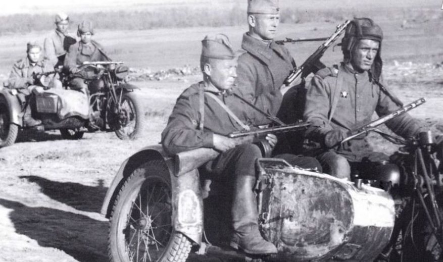 Мотопехота под Севастополем. 1944 г.
