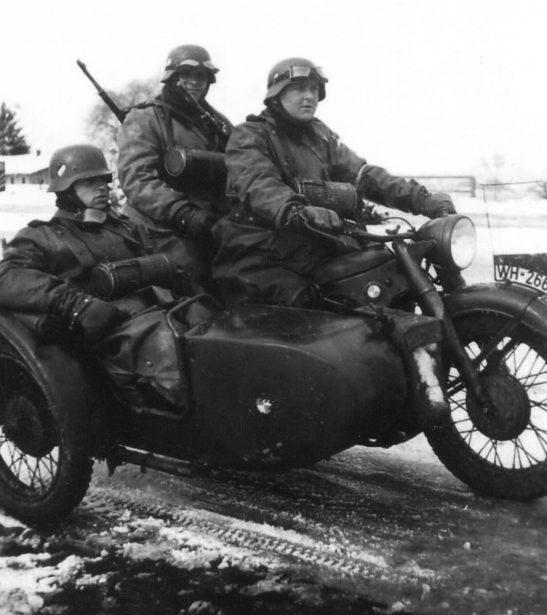 Мотоцикл BMW R-12. Россия. 1942 г.