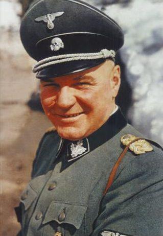 Шеф службы Имперской безопасности - Ганс Раттенхубер.