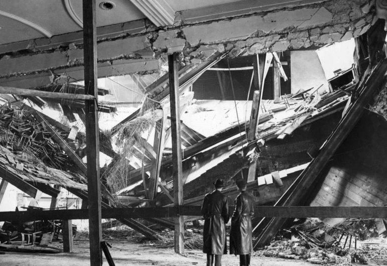 Последствия взрыва в пивной Мюнхена.