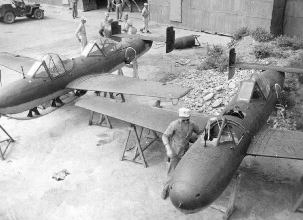 Учебные двухместные MXY7 Ohka. 1945 г.