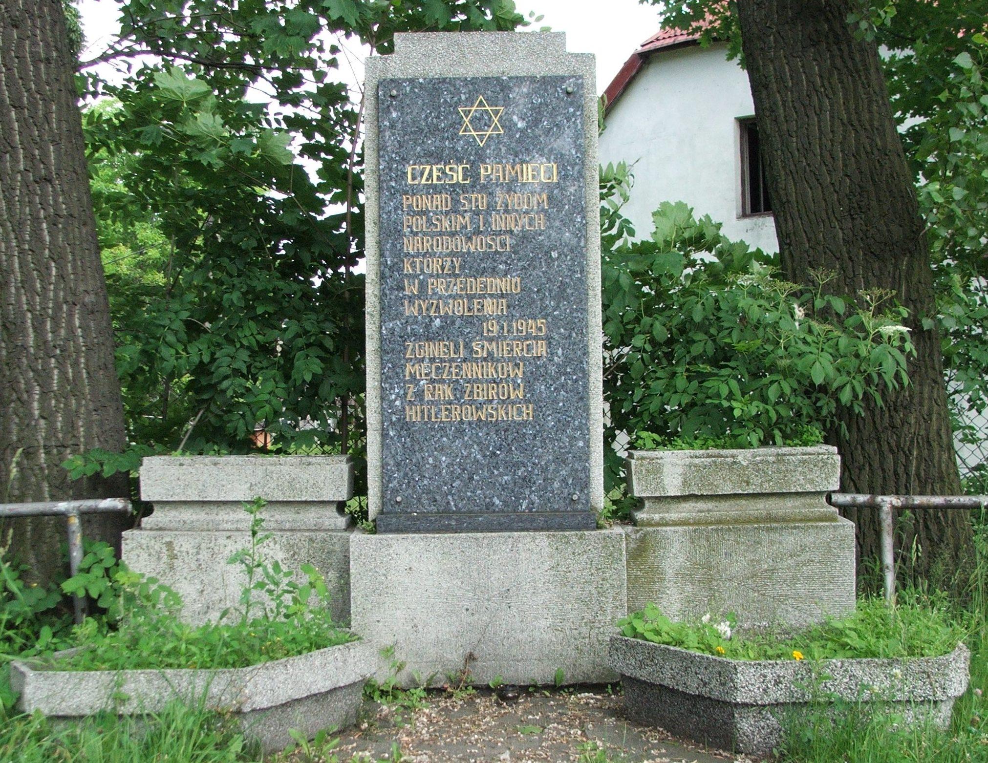г. Чеховице-Дзедзице, Бельского повята. Памятник жертвам холокоста.
