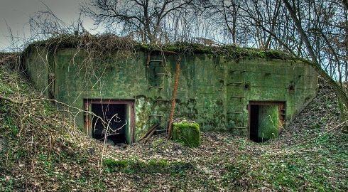 Примеры камуфляжа бункеров.
