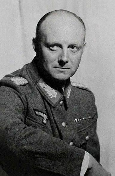 Хеннинг фон Трескоу 1901 года рождения, немец, генерал майор, участник Первой мировой войны, руководитель группы заговорщиков-генералов.