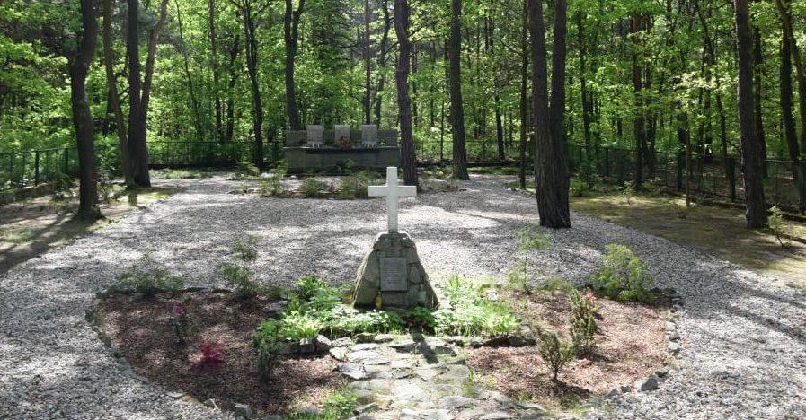 Общий вид мемориала «Пятьдесят - Великий Побег».