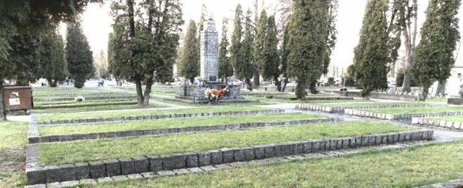 г. Новы-Сонч. Воинское кладбище по улице Рейтана, где похоронено 736 советских воинов, в т.ч. 484 неизвестных, погибших в годы войны.